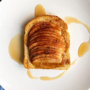 Toast mela e cannella al forno